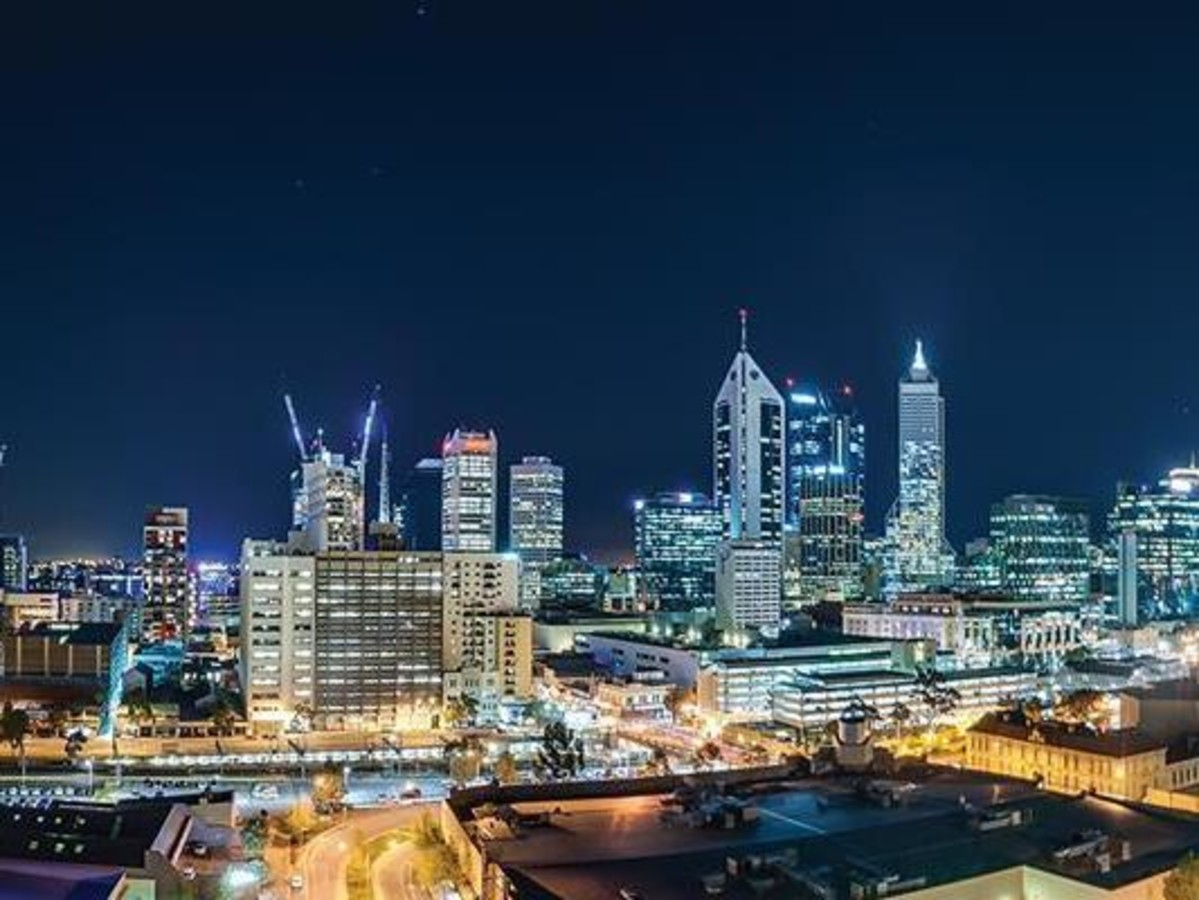 INCREDIBLE VIEWS FROM THE 18TH FLOOR - PERTH