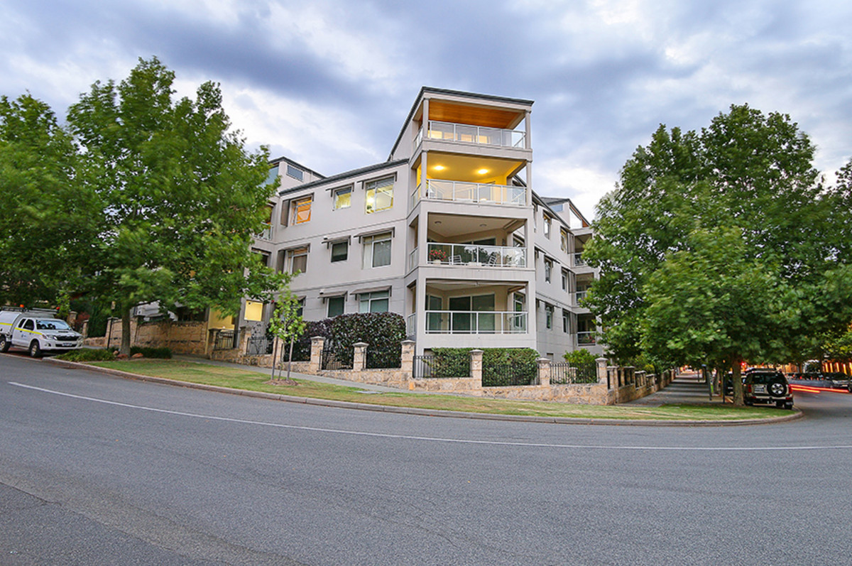 Executive Penthouse! - EAST PERTH