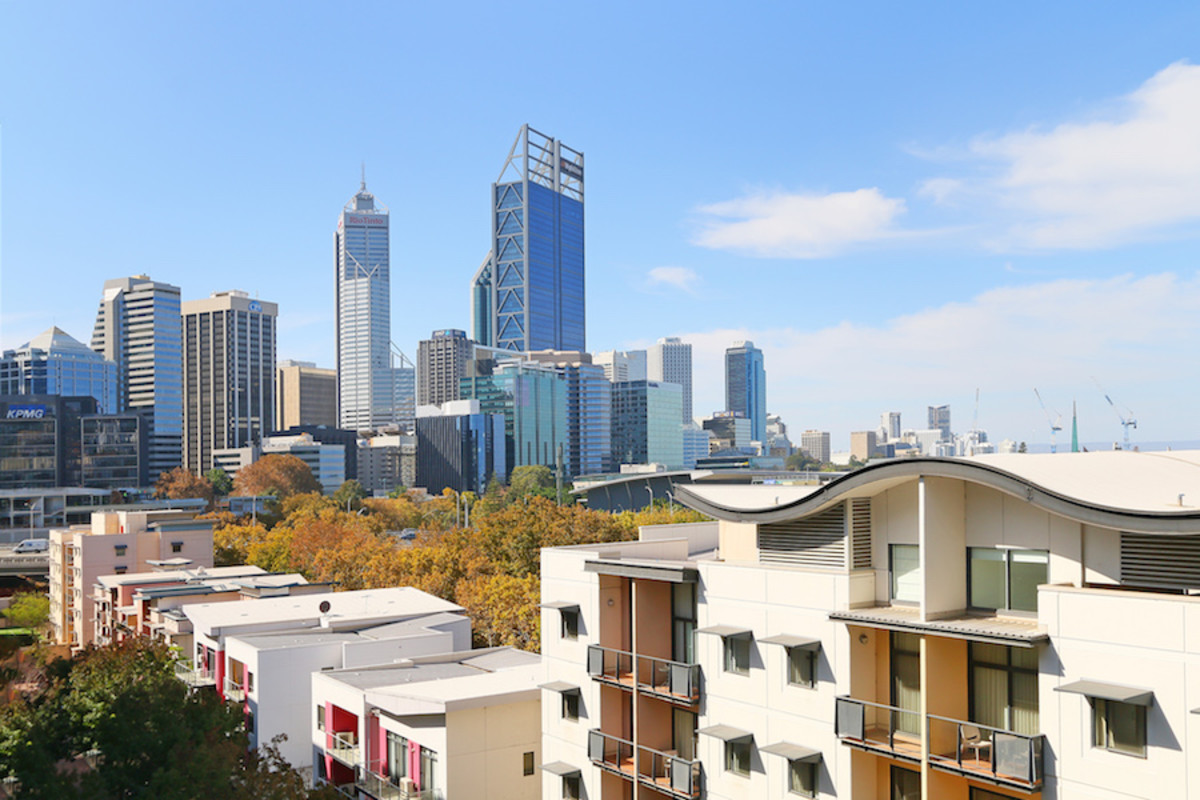 SUB PENTHOUSE ANYONE? UNDER OFFER WITHIN A MONTH FROM 1st HOME OPEN - Perth