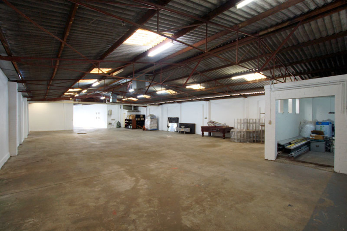 FUNKY WAREHOUSE - Perth