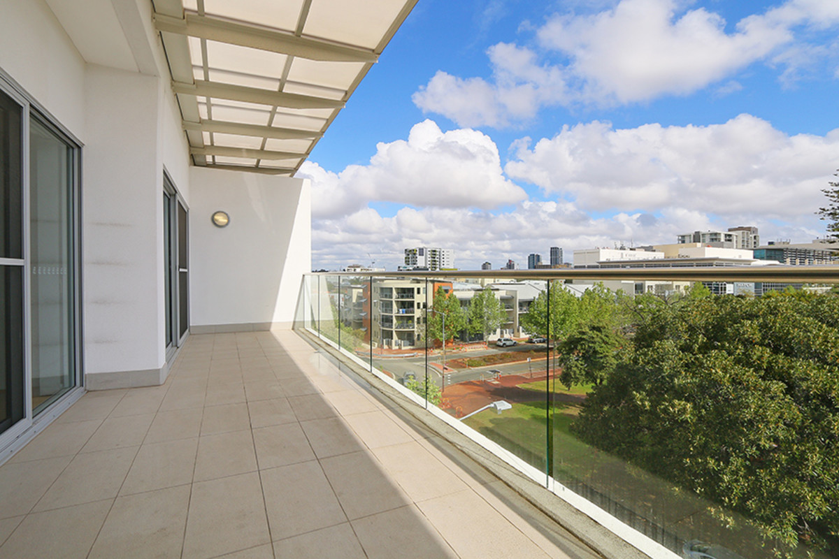 Contemporary Inner City Living with 2 Car Bays - Perth