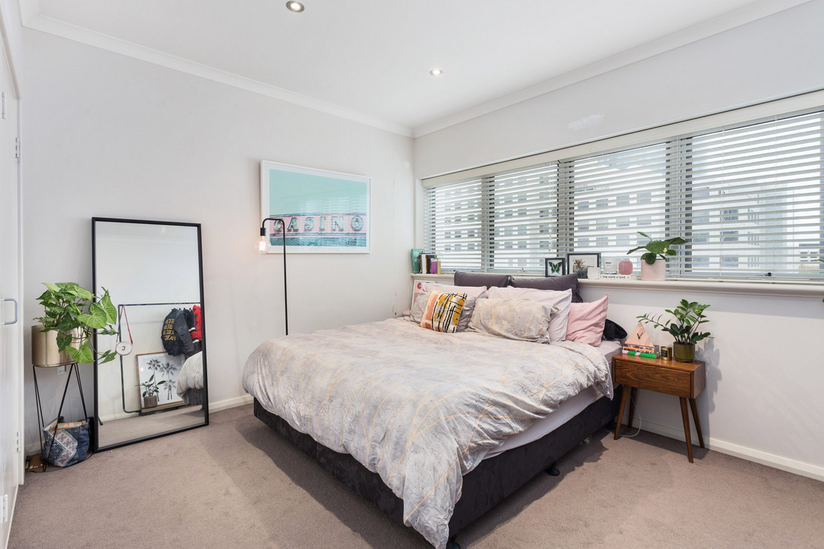 Rare inner city Townhouse! - Perth