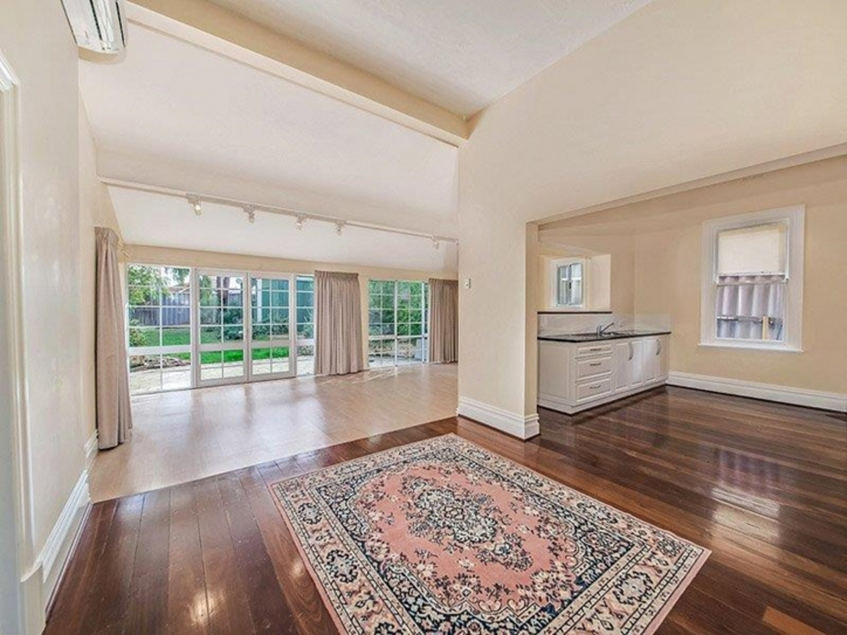 CHARACTER HOME - Mount Lawley