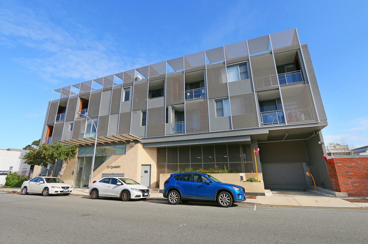 UNIQUE MODERN APARTMENT WITH OPTION OF DISHWASHER, FRIDGE AND WASHING MACHINE INSTALLED ON REQUEST - Fremantle