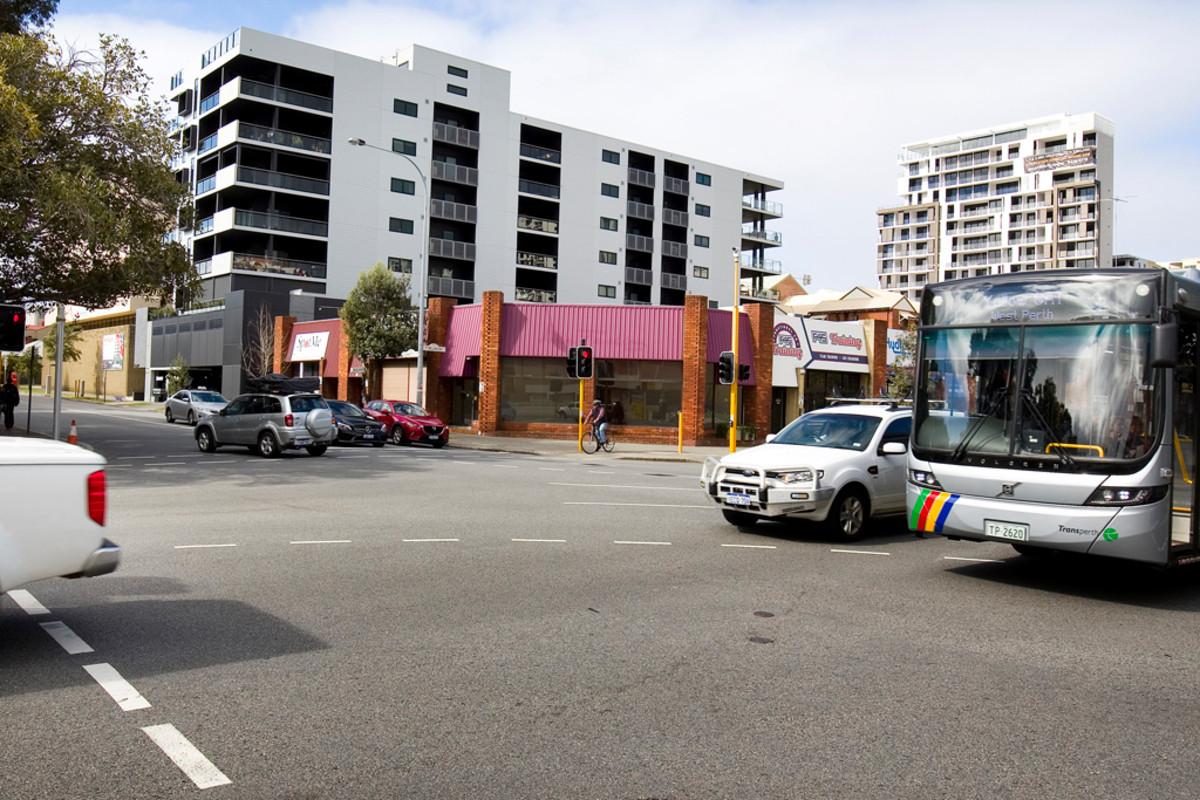 Exposure Plus 29,000 Cars Per Day - East Perth