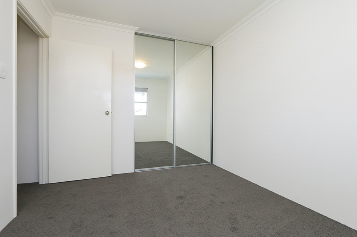 AMAZINGLY SPACIOUS PLUS PERFECT LOCATION - Perth