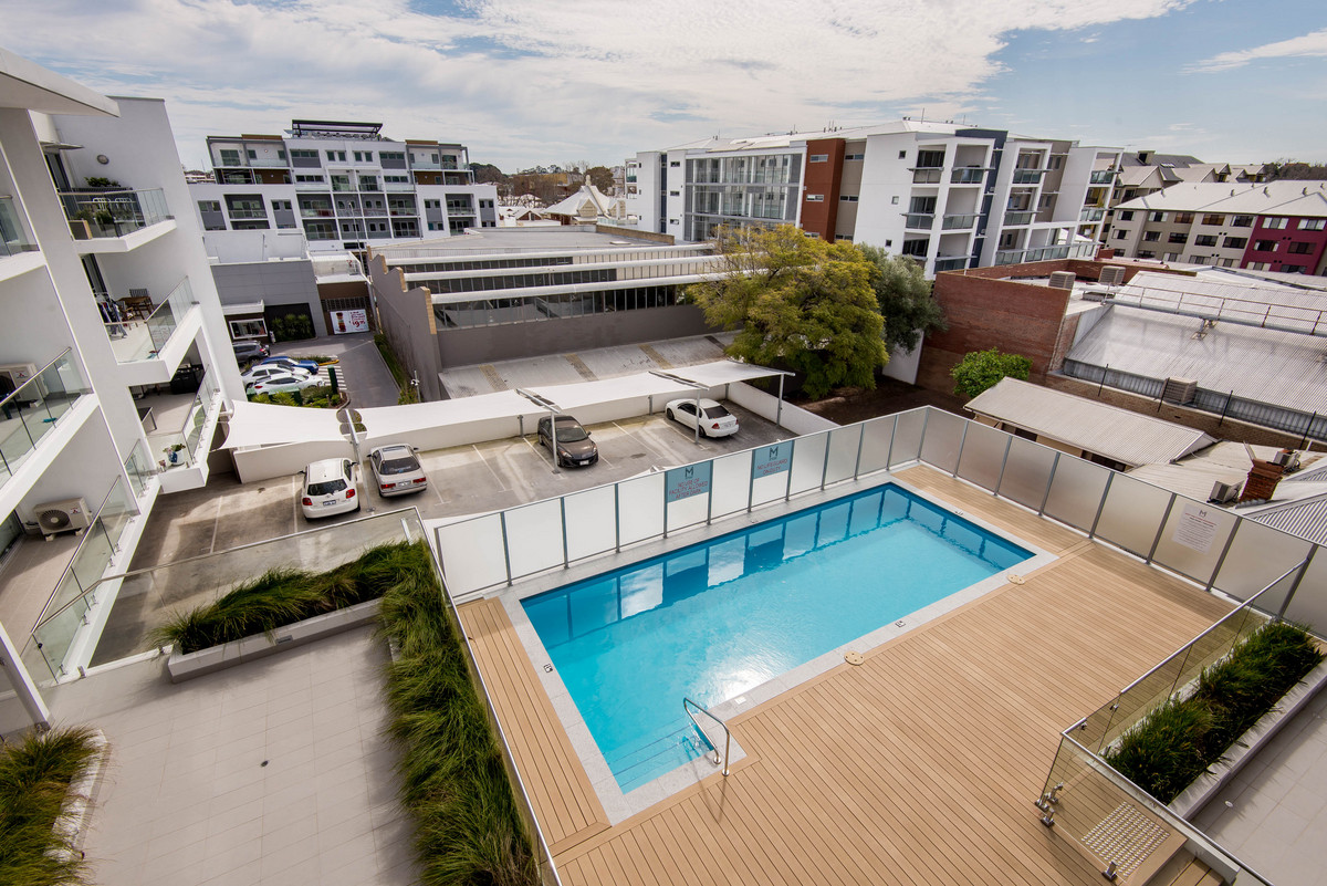 SPACIOUS ONE BED APARTMENT IN BOUTIQUE COMPLEX - PERTH