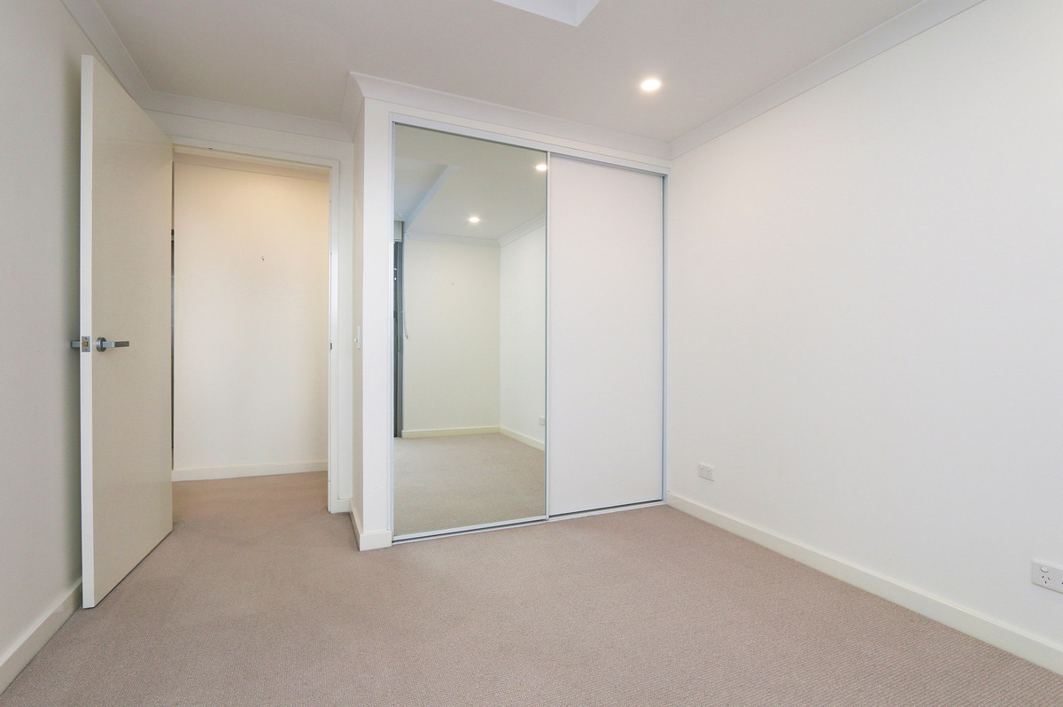Massive Two Bedroom with Stunning Views! - Fremantle