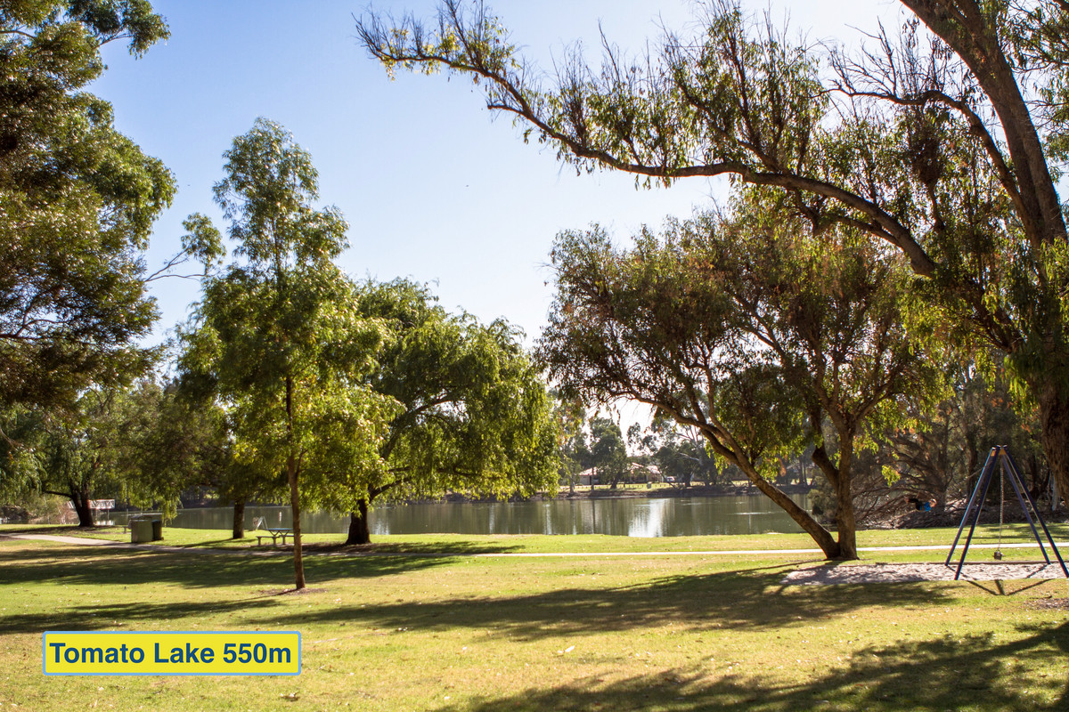 CURRENT BID ONLY $405,000 for 1,730m2 - Three qualified bidders! - Kewdale