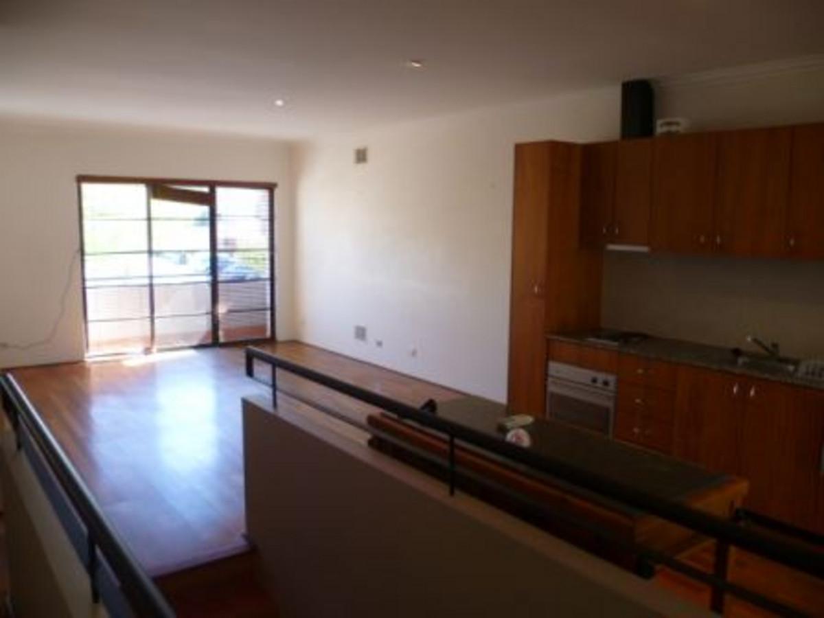 Simple, Classic Apartment - PERTH