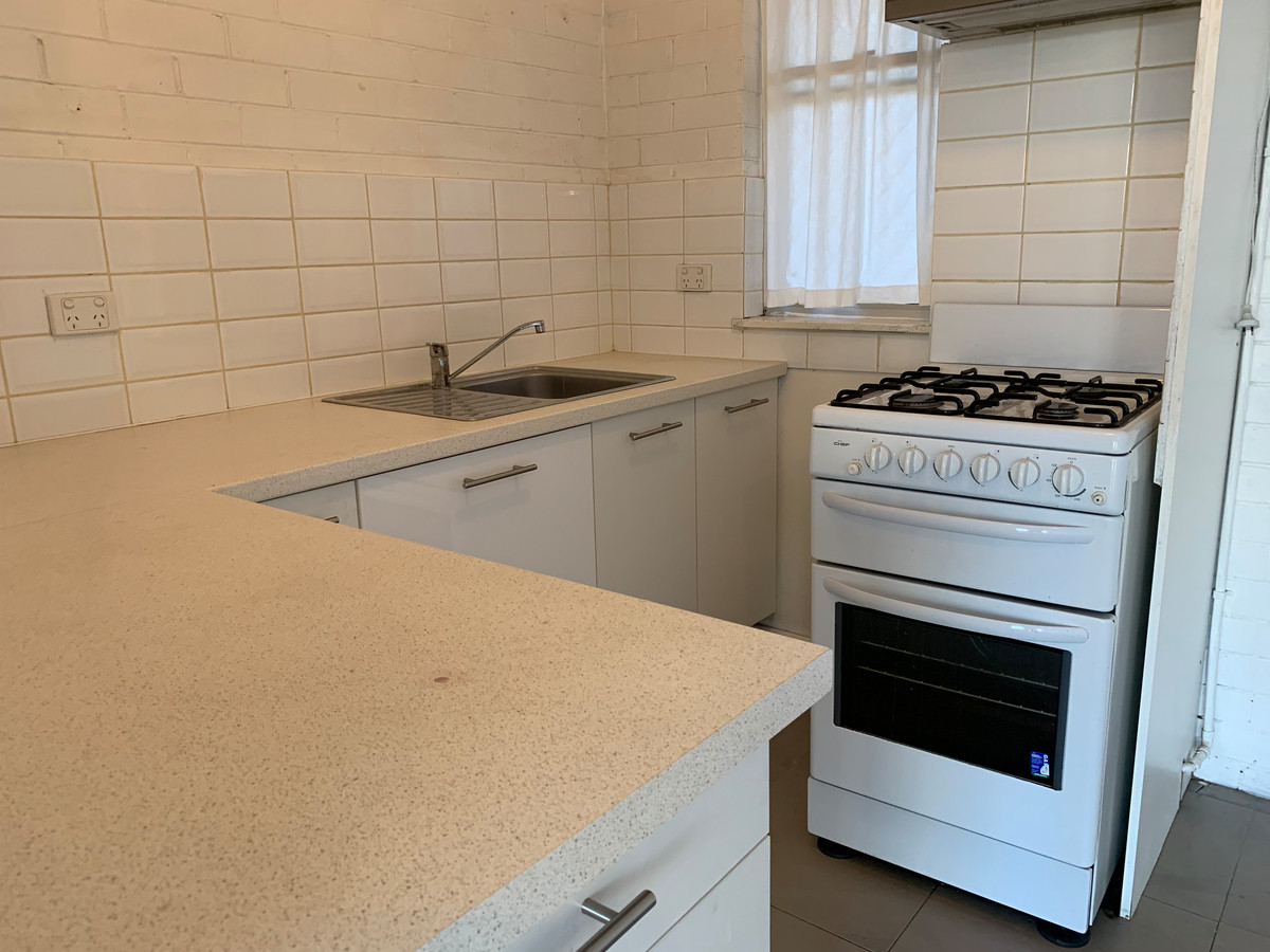 One Weeks free rent on 12 month lease - East Perth