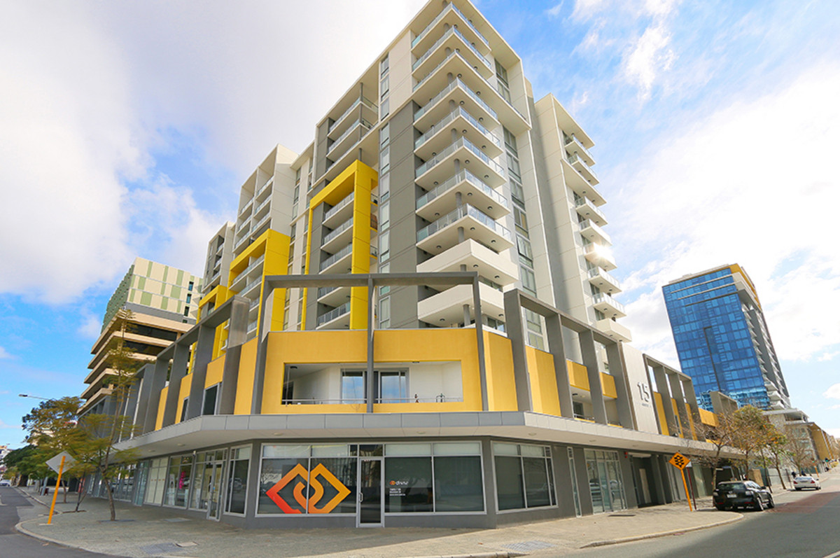BARGAIN GROUND FLOOR STREET FRONT COMMERCIAL - Perth