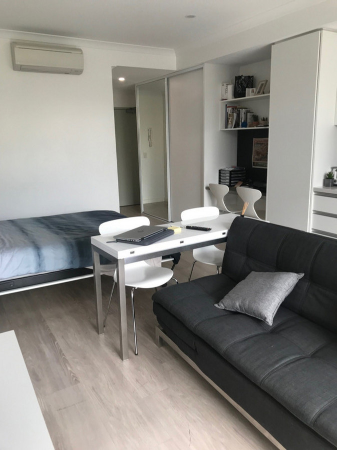 BUDGET BUY IN FREO - FREMANTLE