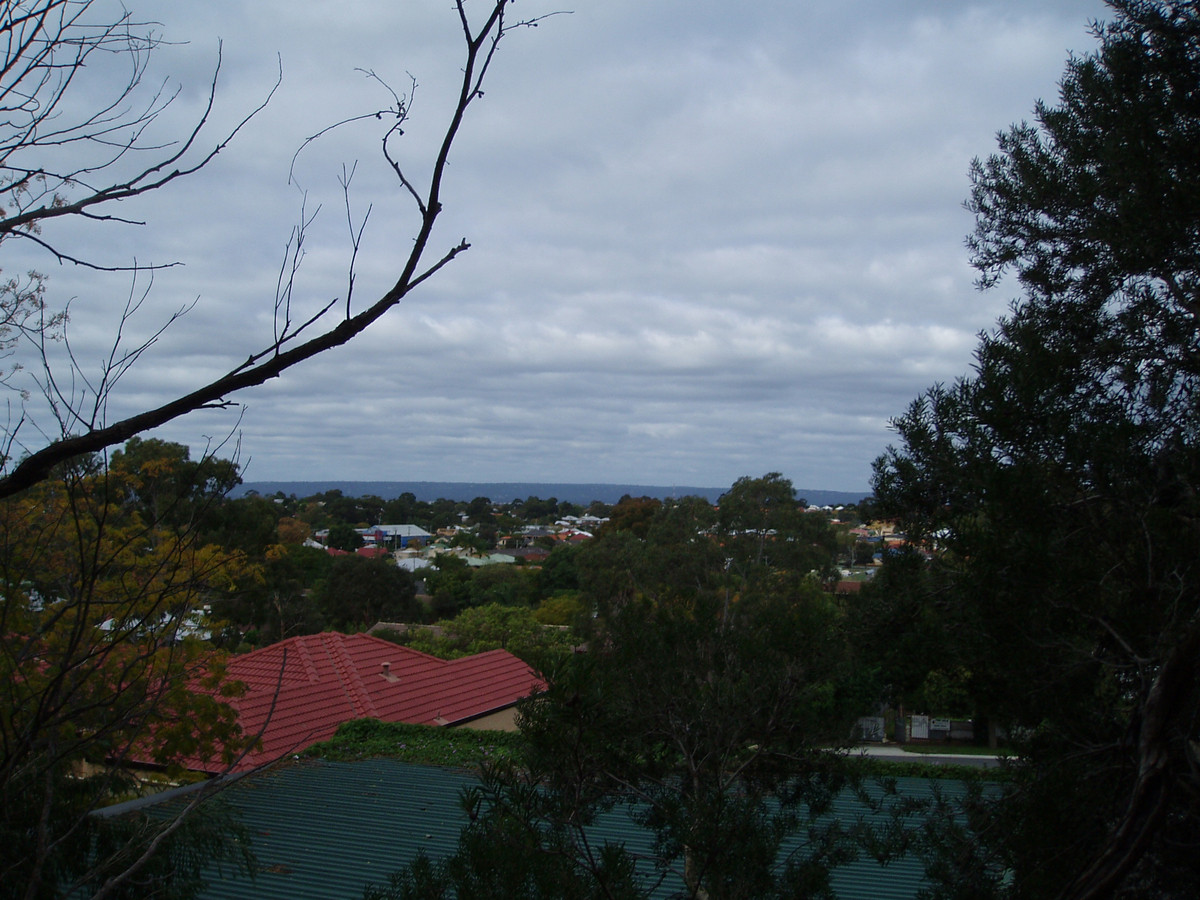 CLOSE TO THE CITY AND EVERYTHING YOU NEED - MAYLANDS