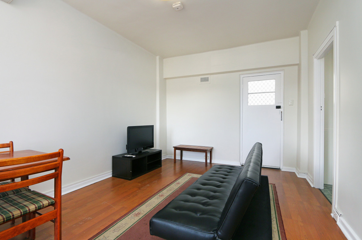 SIMPLE AND SWEET INNER CITY GEM! - East Perth
