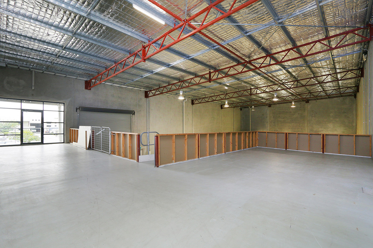 SPACIOUS AND SECURED WAREHOUSE/OFFICE - Jandakot