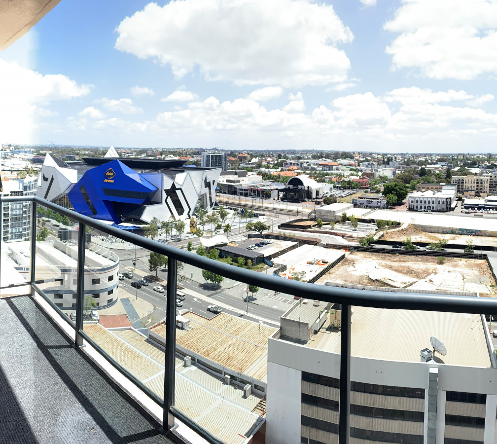 EXECUTIVE INNER CITY APARTMENT - PERTH