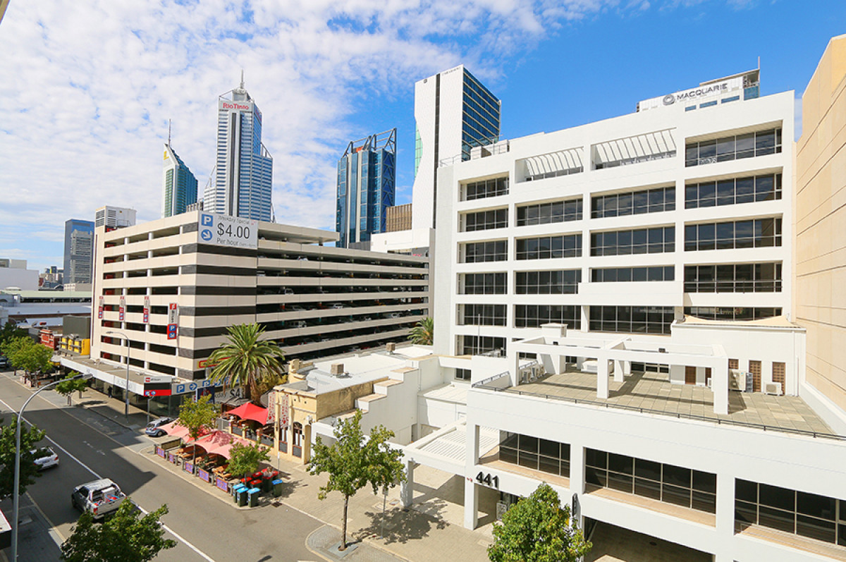 HOT SIZZLING DEAL - PERTH